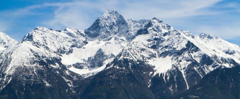 Chaîne de montagne de haute résolution de panorama images stock