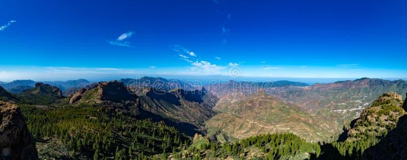 Chaîne de montagnes, vue de Pico de las Nieves, mamie Canaria, Espagne photo stock
