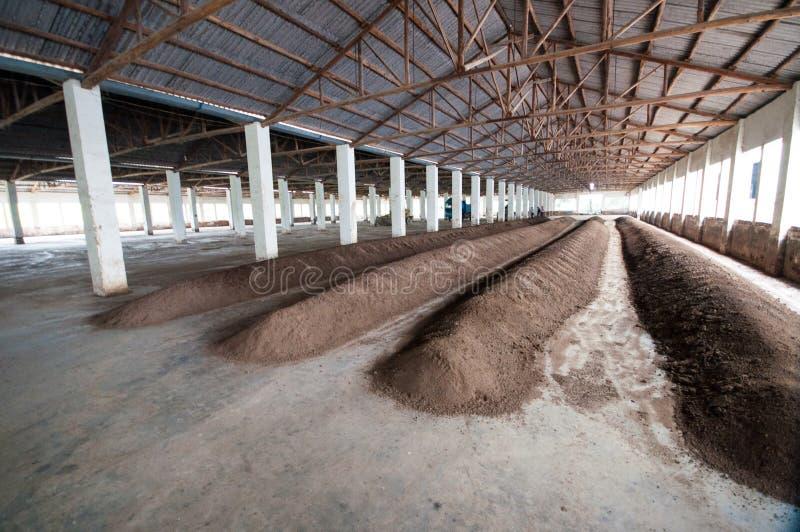 Chaîne de production d'engrais organique photographie stock