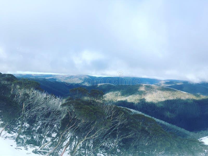 Chaînes de montagne photo libre de droits