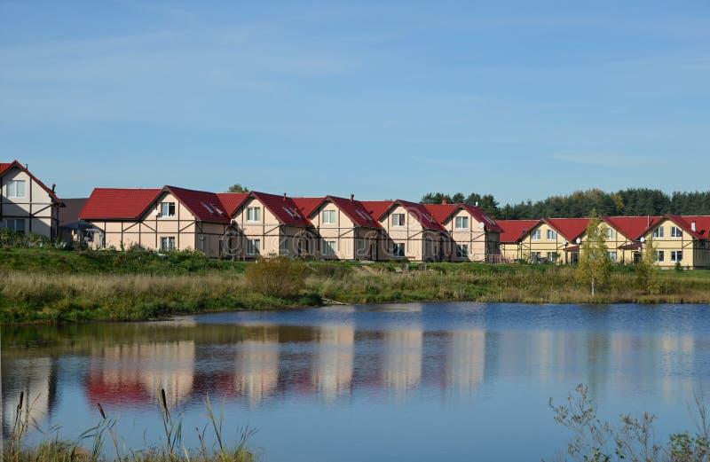 Chałupy wioska na jeziorze obraz royalty free