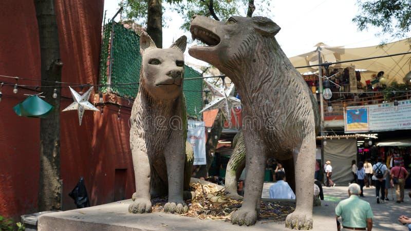Chacais no mercado do artcraft em coyoacan fotografia de stock