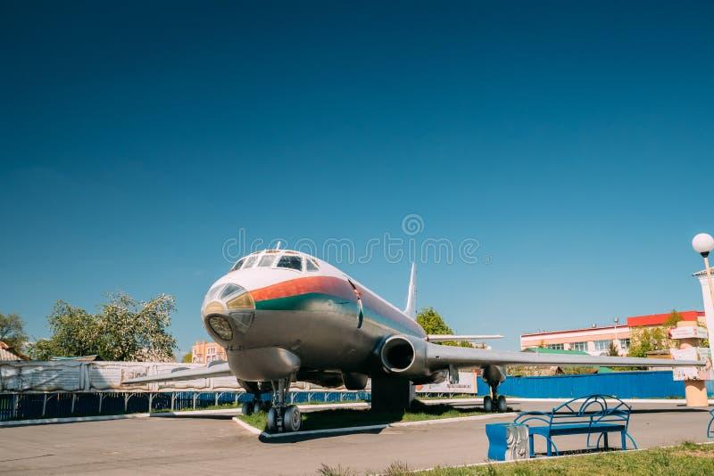 Chachersk, Беларусь Воздушные судн Tu-124sh оно установлено на шасси стоковые изображения rf