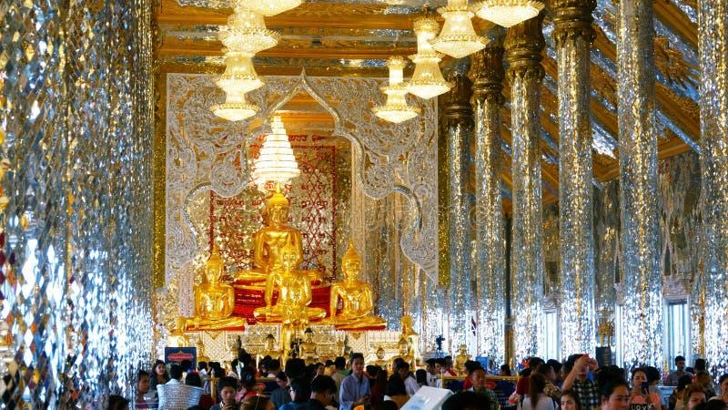Chachoengseo,泰国2月3日2019年:在Wat Veerachote的菩萨雕象 库存图片