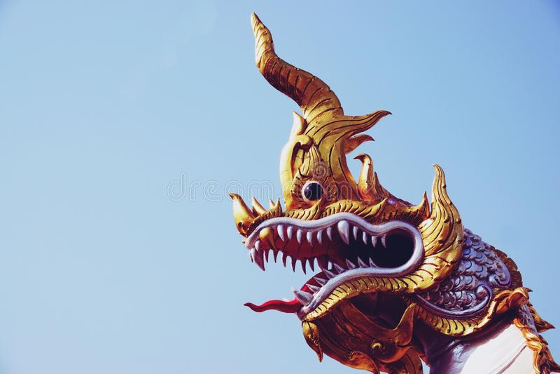 Chachoengseo,泰国2月3日2019年:纳卡人或蛇雕象,佛教,泰国寺庙信仰  免版税库存照片