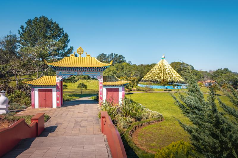 Chagdud Gonpa Khadro石楠佛教寺庙-特雷斯Coroas,南里奥格兰德州,巴西 图库摄影