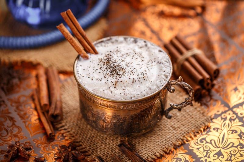 Chai latte kruidde zwarte thee stock foto's