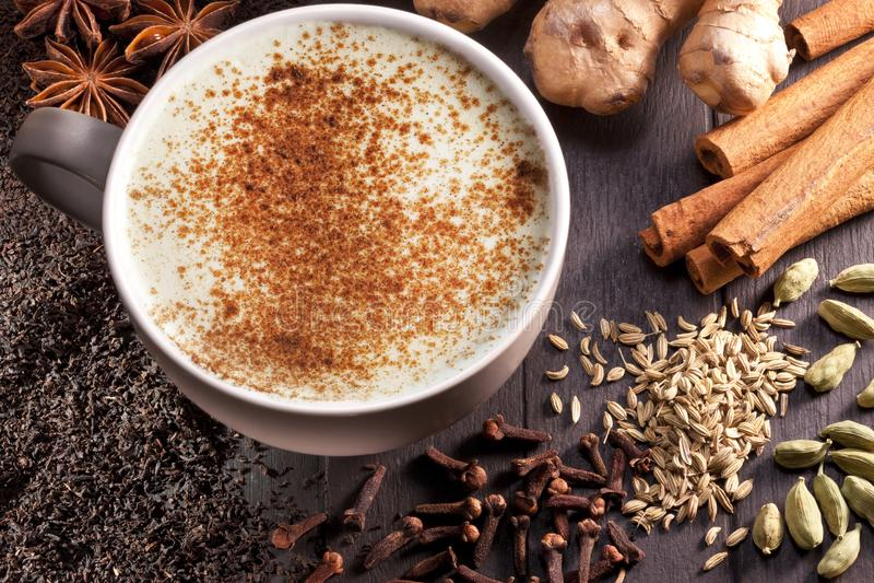 Chai Latte składników Herbaciana filiżanka zdjęcia stock