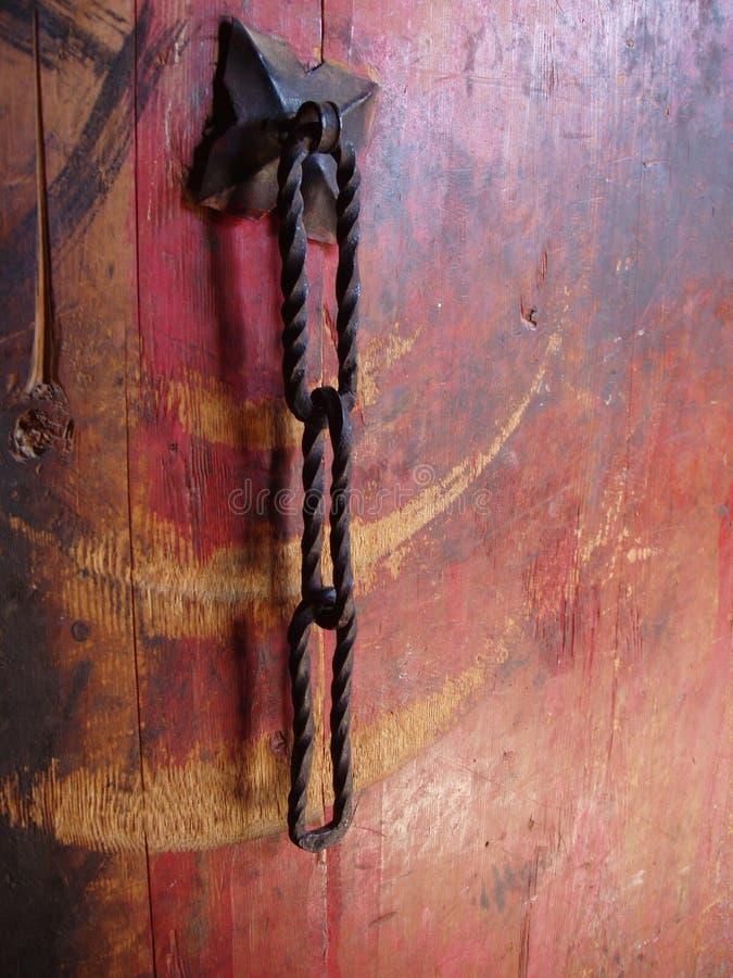 chain järn för dörrhandtag arkivbild