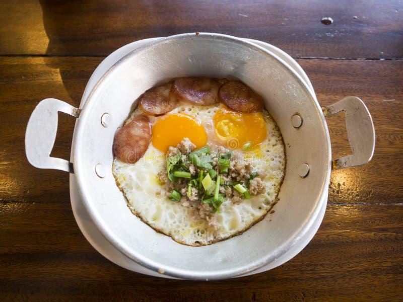 Chainess jedzenie, nigiri suszi, jedzenie set, lunch i gość restauracji, fotografia stock