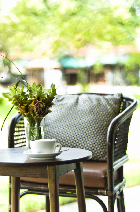 Free Chair And Coffee Table In A Decorative Setting Royalty Free Stock Images - 20977729