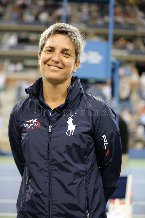 Chair umpire Marija Cicak before first round match between Serena Williams and Taylor Townsend at US Open 2014 stock photography