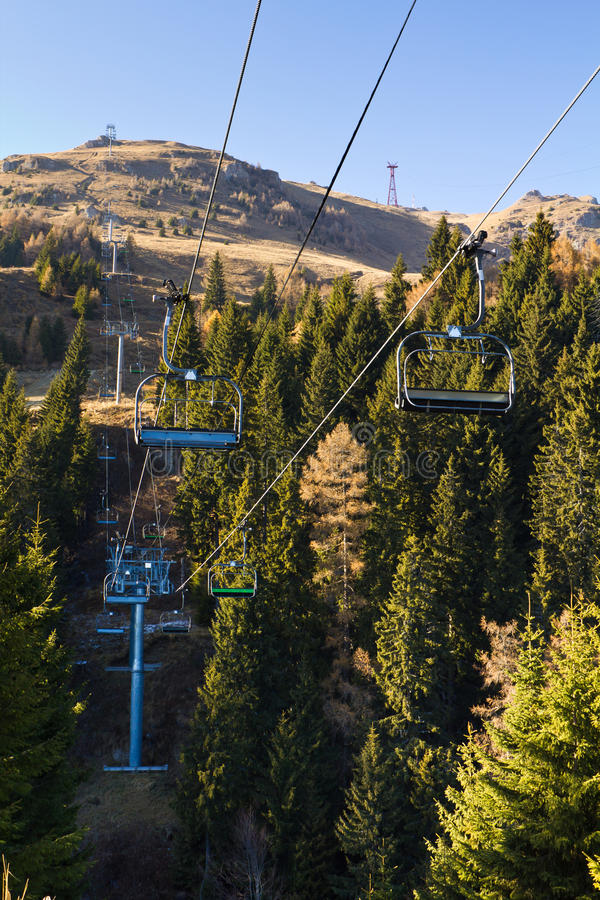 chairlift пустой стоковое фото rf