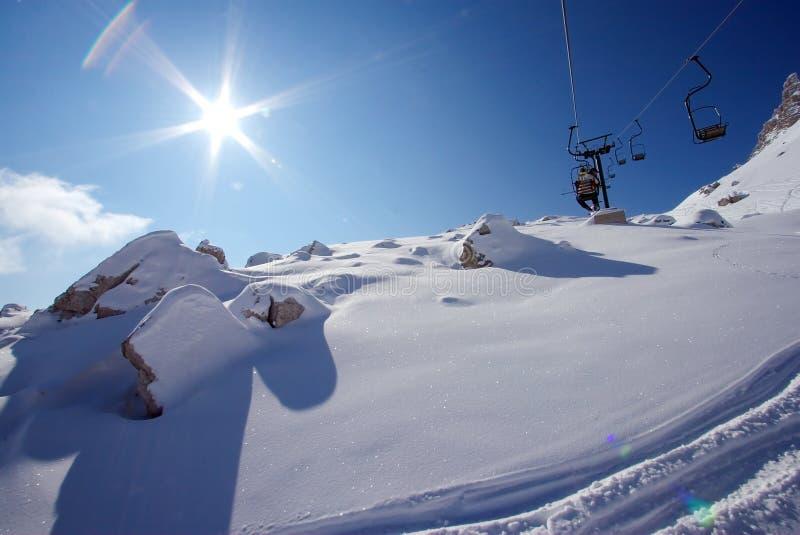 chairlift сольный стоковые фотографии rf