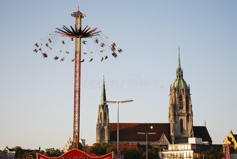 Chairoplane al Oktoberfest fotografia stock libera da diritti