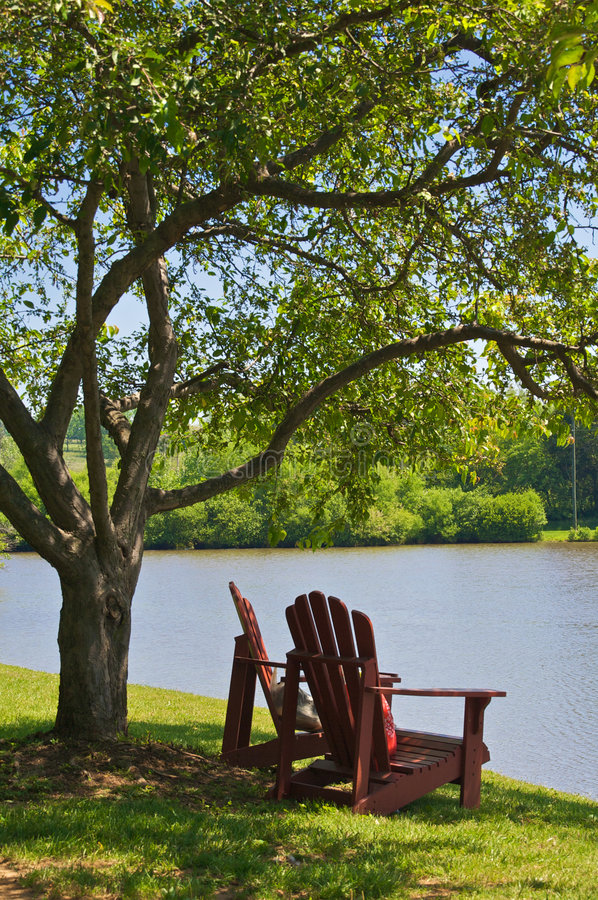 Free Chairs By The Lake Royalty Free Stock Images - 8444589