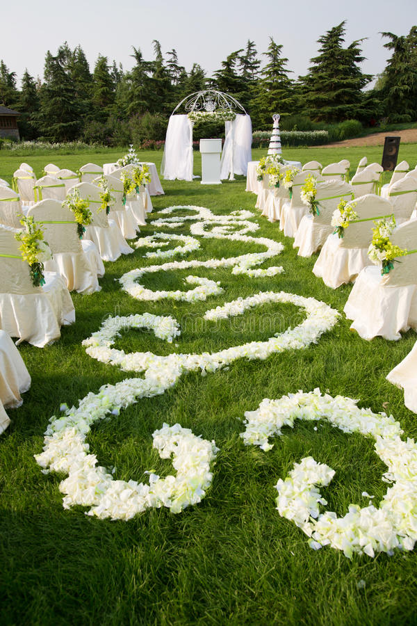 Download Outdoor wedding Scene stock image. Image of flower, beautiful - 30274867