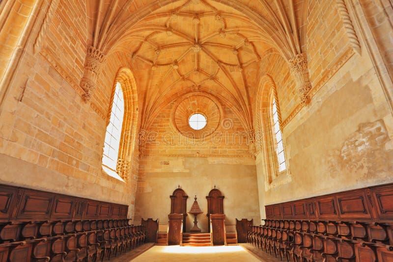 chairs storartade oakrader för kapell royaltyfria foton