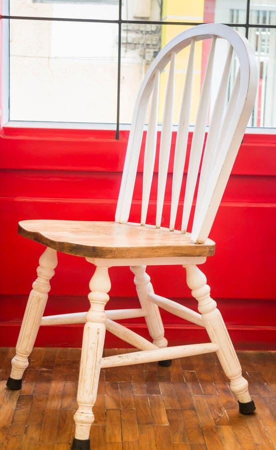 chaise blanche de cuisine de vintage simple photo stock. Black Bedroom Furniture Sets. Home Design Ideas