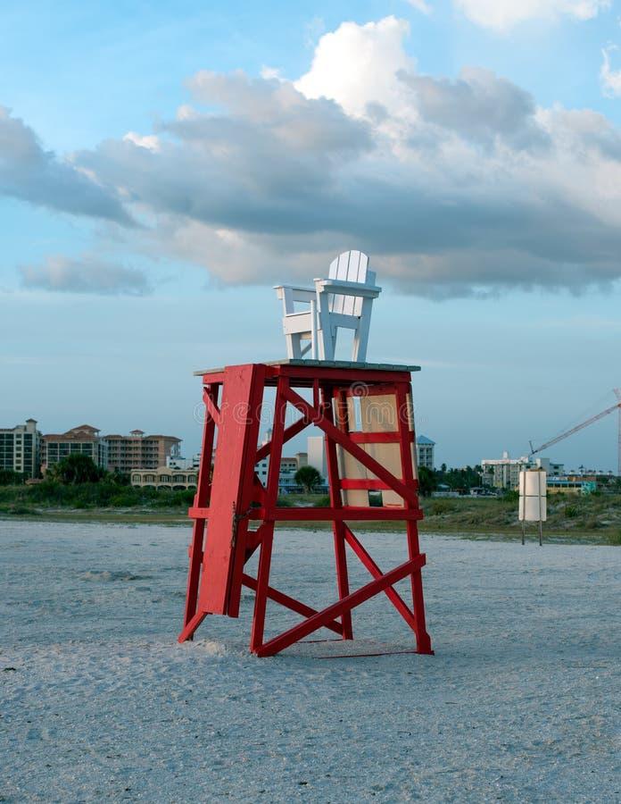 Chaise de maître nageur photographie stock