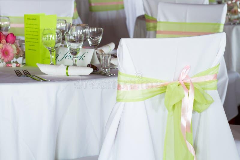 chaise de mariage avec le ruban image stock image du d coration bande 40464835. Black Bedroom Furniture Sets. Home Design Ideas