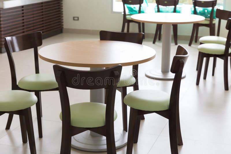 restaurer une table en bois perfect relooking bois massif with restaurer une table en bois. Black Bedroom Furniture Sets. Home Design Ideas