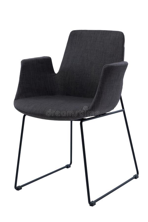 Chaise noire moderne de bureau avec des accoudoirs d'isolement sur le fond blanc Fauteuil de bureau de confort, vue de face photographie stock libre de droits