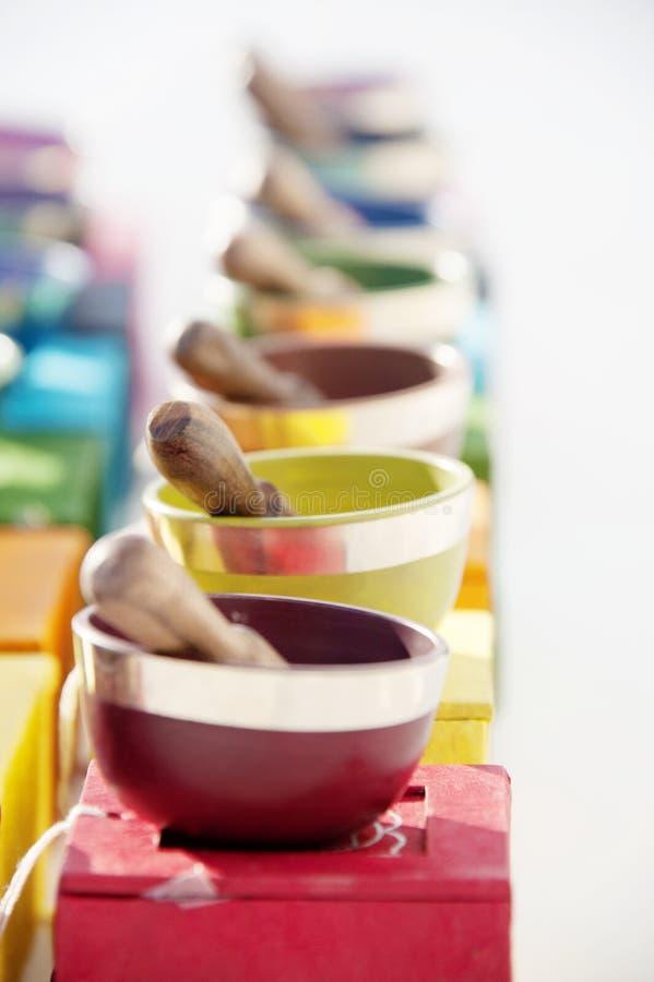 Chakra coloré guérissant les cuvettes saines images libres de droits