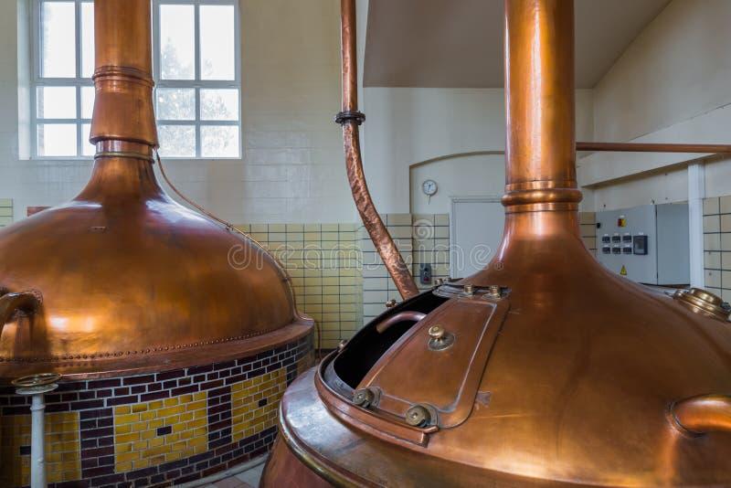 Chaleira de cobre do vintage - cervejaria em Bélgica foto de stock