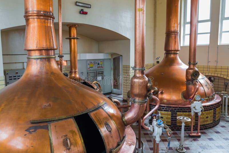 Chaleira de cobre do vintage - cervejaria em Bélgica imagem de stock