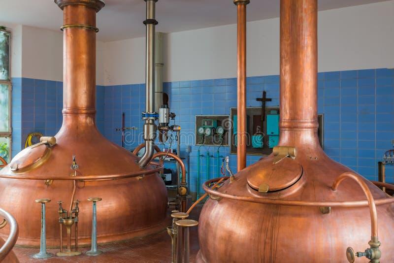 Chaleira de cobre do vintage - cervejaria em Bélgica fotografia de stock