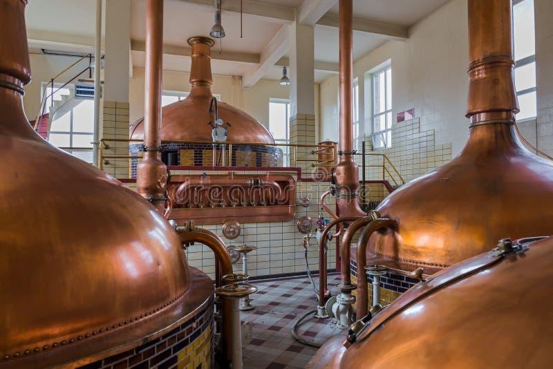 Chaleira de cobre do vintage - cervejaria em Bélgica foto de stock royalty free