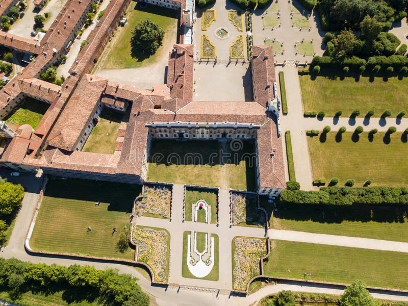 Chalet Arconati, Castellazzo, Bollate, Milán, Italia Vista aérea del chalet Arconati foto de archivo libre de regalías
