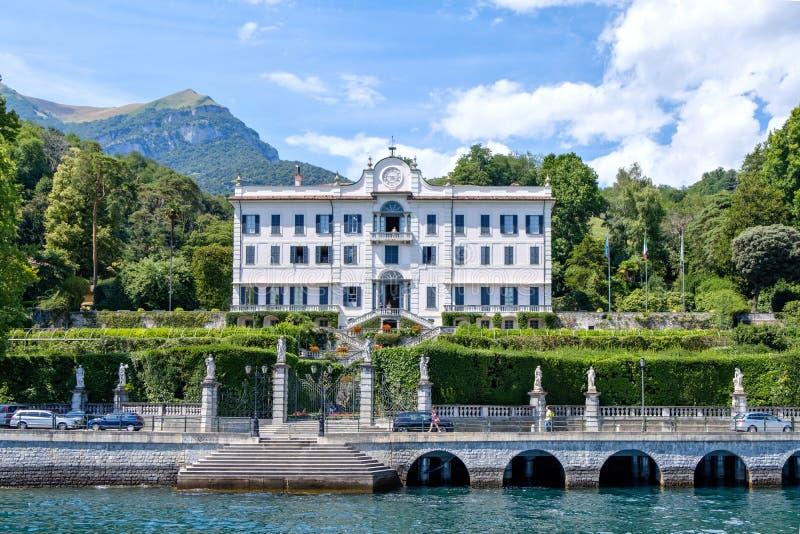 Chalet Carlotta de la opinión de Como del lago imagen de archivo