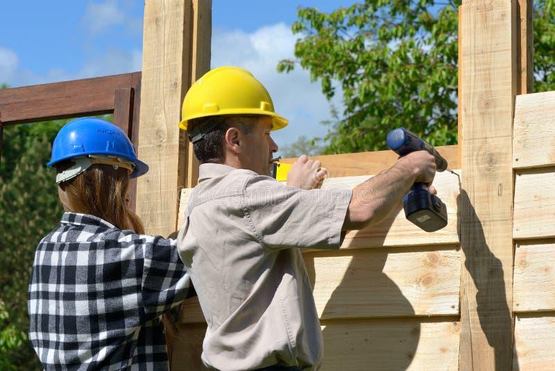 Chalet de construction images stock