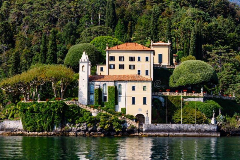 Chalet Del Balbianello, casandose el lago Como del chalet imágenes de archivo libres de regalías