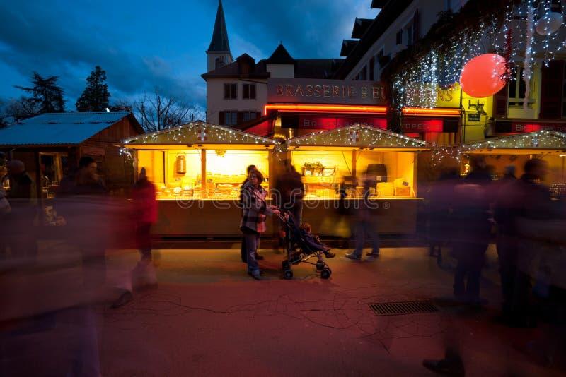 Chalet del mercato di natale di Annecy fotografie stock libere da diritti