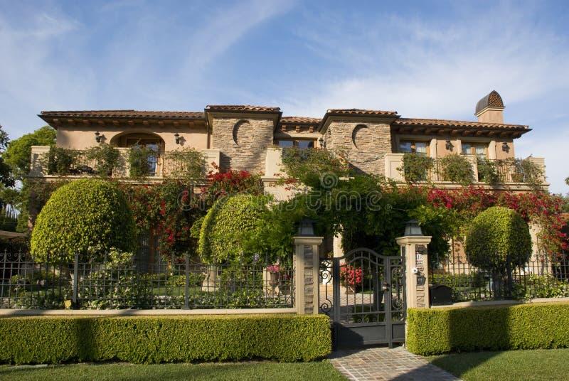 Chalet lujoso en Beverly Hills, Los Ángeles - California foto de archivo