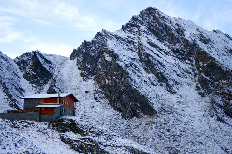 Chalet near Balea Lake surrounded by mountains
