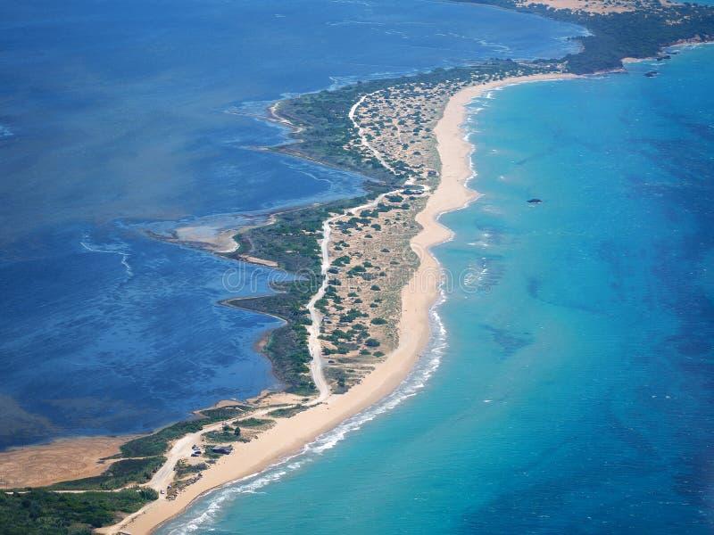 Chalikounas piaskowata plaża w COrfu Grecja obraz royalty free
