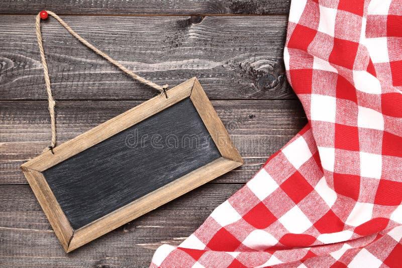 Chalkboard z pieluchą zdjęcie stock