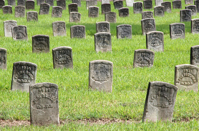Chalmette nationell kyrkogård arkivbild