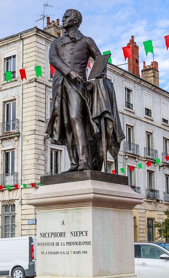 Chalon - sur - Saone, Francja - Statua Josepha Niépce'a Opracował heliografię, pierwszą na świecie technikę fotograficzną zdjęcia royalty free