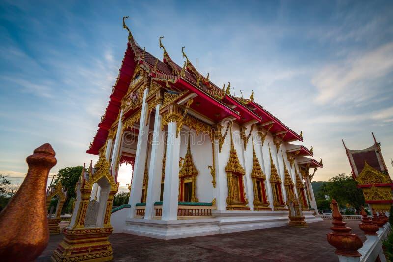 Chalong-Tempel in Phuket Thailand lizenzfreie stockbilder