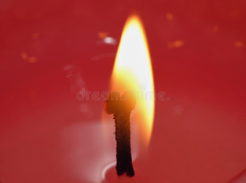 Chama do feltro de lubrificação da vela - fotografia macro foto de stock