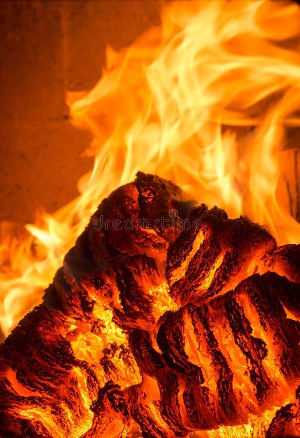 Chama do fogo da chama no fogão, alaranjado e preto foto de stock royalty free