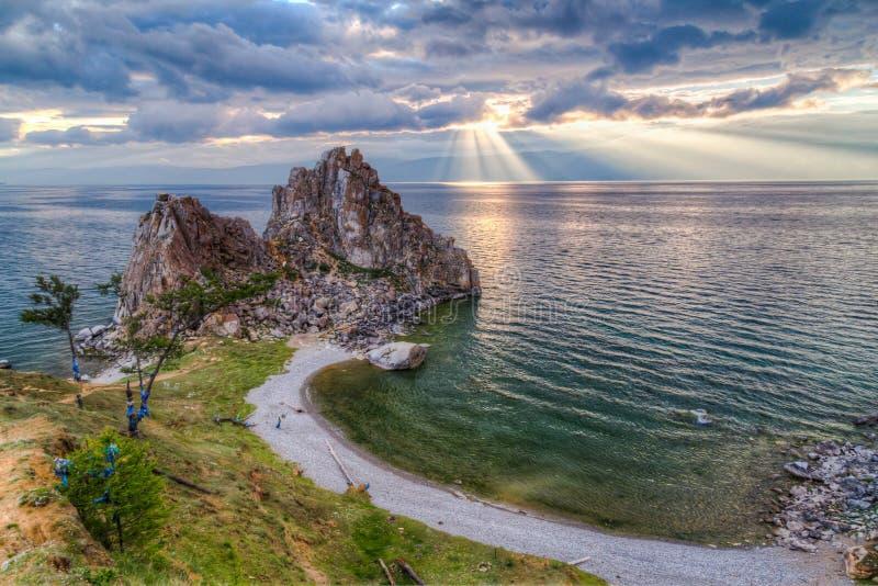 Chaman Rock, le lac Baïkal images libres de droits