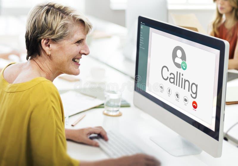 Chamando uma comunicação conecte o conceito dos trabalhos em rede fotos de stock royalty free