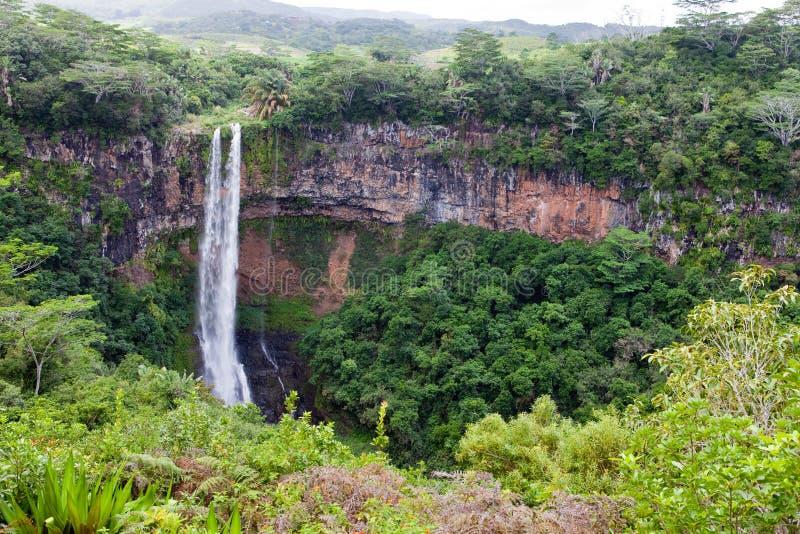 Chamarel-Wasserfälle in Mauritius.Landscape an einem sonnigen Tag lizenzfreies stockbild