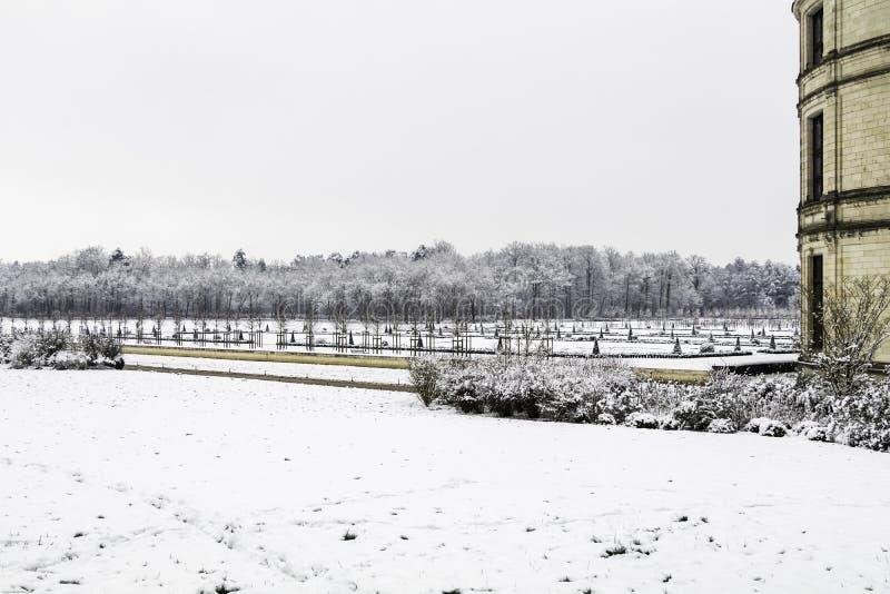 Chambord slottar under insn?ade Februari, Loiret Valley, Frankrike arkivbilder